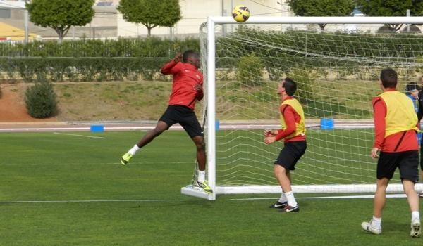 El delantero rojiblanco nació en Burkina Fasso, cuya selección fue finalista de la Copa de África