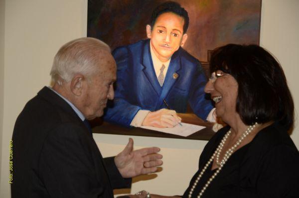Loli Gimenez con Jesús Caicedo y su retrato