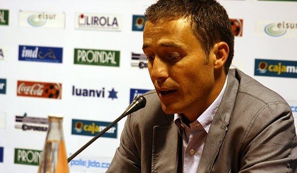 Desde el Betis B habla en Almería sobre el FC Barcelona y el Real Madrid
