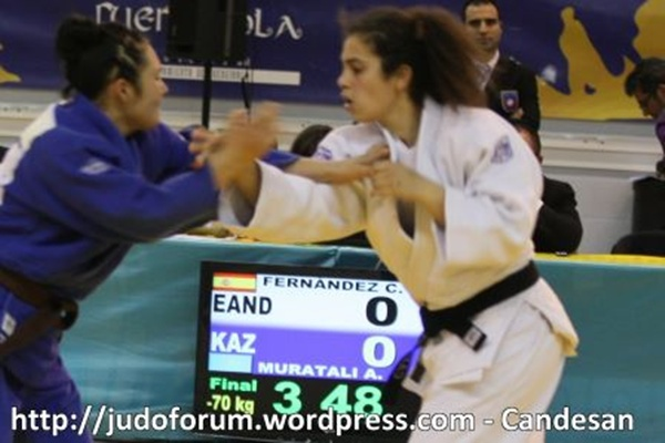 Torneo internacional de Judo en Fuengirola con la Judoka de Berja medalla de plata