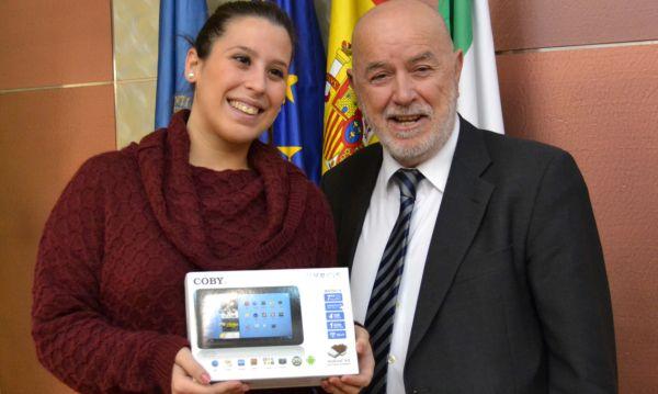 Cristina Guirado Lopez con el rector