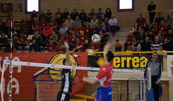 Unicaja Almería jugará la final de la Superliga de Voleibol ante CV Teruel