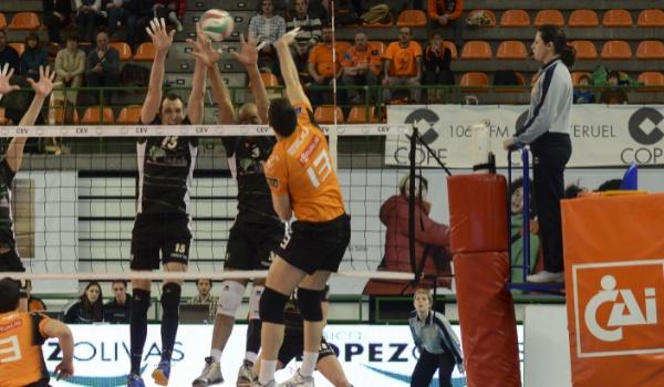 El equipo de Almería en otra final de la Superliga de voleibol