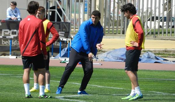 El entrenador del Almería se la juega en la Liga Adelante tras perder con el Sporting