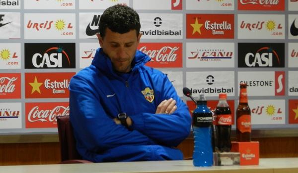 El entrenador de la UD Almería de la Liga Adelante