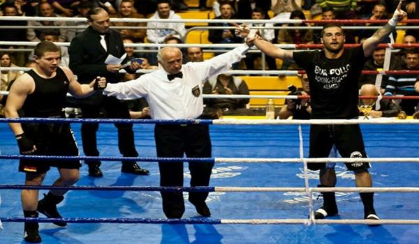 El club de boxeo de la capital ganó en El Ejido con este púgil
