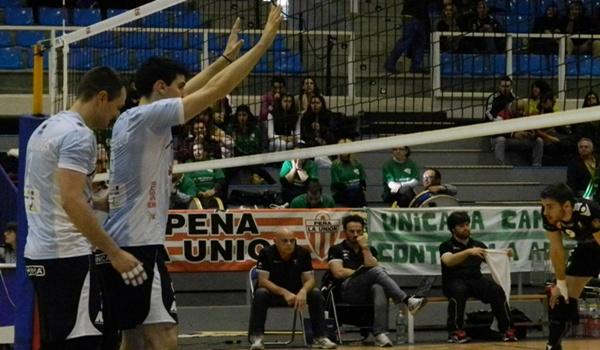 El Unicaja vista la cancha de Soria camino de la gran final de la Superliga de Voleibol