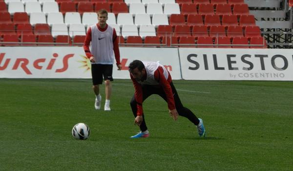 El jugador dice que la UD Almería es el mejor equipo de la Liga Adelante