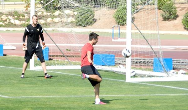La UD Almería pierde con el Mirandés en la Liga Adelante y ahora recibe al Numancia