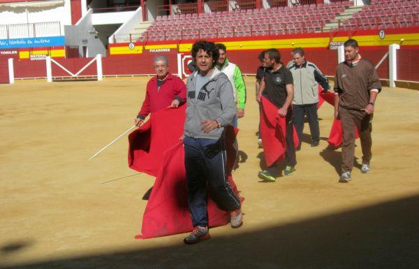 Ruiz Manuel dirige un nuevo curso en la Escuela Taurina de Almería