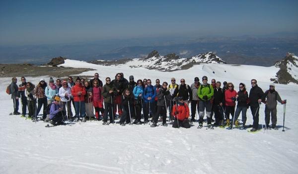 Vecinos del Andarax con raquetas de nieve con Diputación de Almería