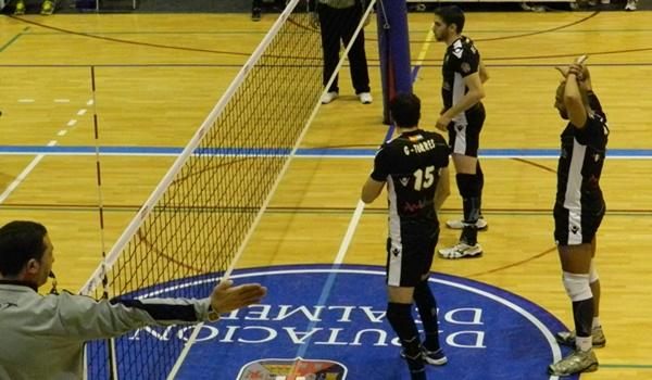 Puntales de Unicaja Almería en la final de la Superliga de voleibol ante CAI Teruel
