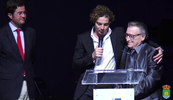 Los dos mejores cantantes de Almería unidos en El Ejido en el homenaje al intérprete de Mi Carro