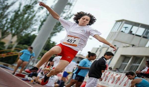 Atletismo en Almería brillando en el Triple Salto con Antonio Zarauz