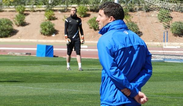 El entrenador que ha subido al Almería a Primera no renueva