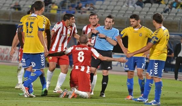 El Almería fue muy perjudicado por el colegiado en el play off de ascenso a Liga BBVA