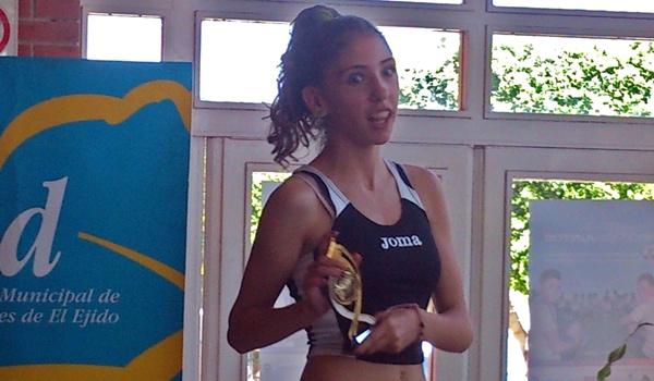 Atletismo con carrera popular de una milla en Las Norias (El Ejido)
