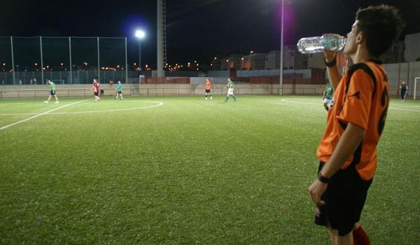Descuentos en las tarifas del Ayuntamiento para jugar el fútbol