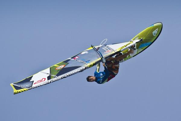 Campeonato del mundo de windsurf en Gran Canaria con el deportista de El Ejido