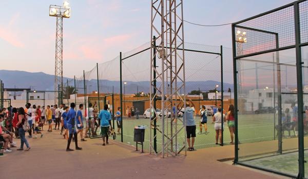 Fútbol sala y baloncesto en este pueblo de Almería con la asociación juvenil