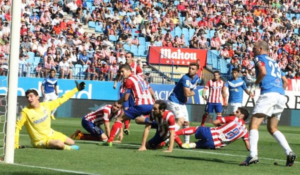 El Almería salió goleado del Vicente Calderón