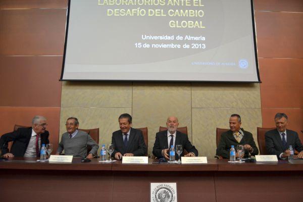 Mesa redonda sobre cambio global en la UAL