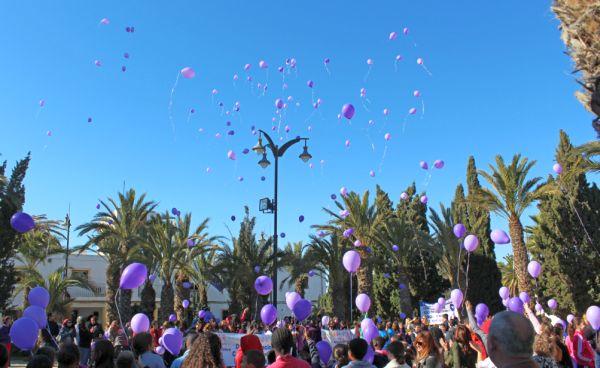 En La Mojonera, escolares y asociaciones han recordado a las víctimas