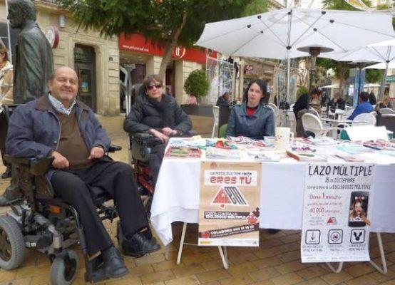 Enfermos de esclerosis múltiple participan en las actividades de AEMA