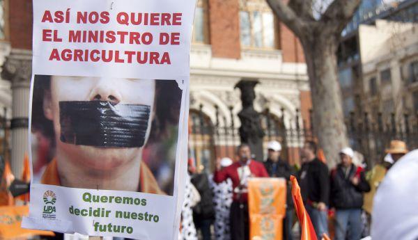 Cartel concentración UPA en Madrid