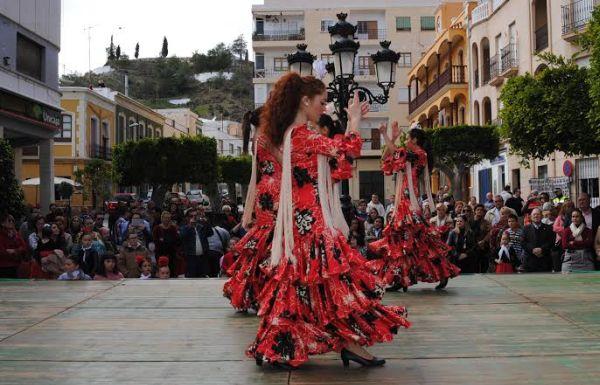 El baile a cargo de las escuelas de Gádor, elemento festivo este viernes