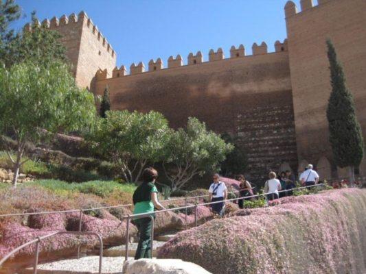 Música electrónica y un homenaje al vinilo, entre las actividades de la Alcazaba de Almería en agosto