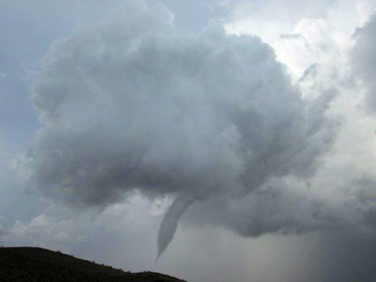El tornado pasó por el municipio pasadas las cinco de la tarde