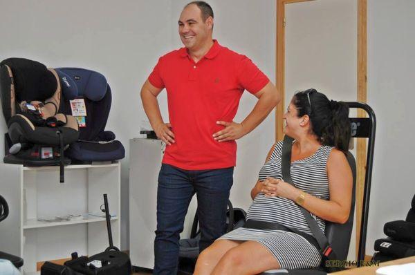 Ricardo Alemán imparte un curso de seguridad vial a mujeres embarazadas