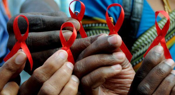 Lazo rojo de lucha contra el sida