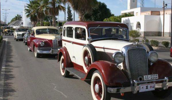 La 25º Ruta de Vehículos Antiguos de Almería pasa por San Isidro