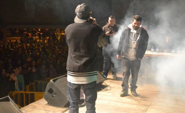 Batalla de raperos sobre el escenario