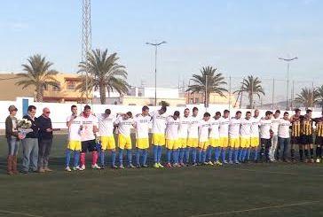 El equipo vistió camiseta con crespón negro en memoria de Juan Antonio