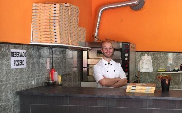 Miguel Junior, amante de la comida sana, regenta la Pizzería 'La Mamma'