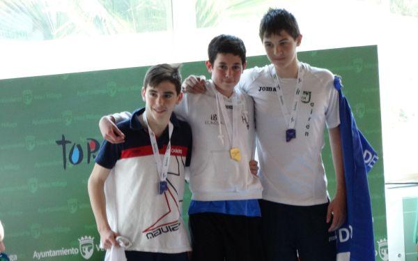 Miguel Guerrero, campeón 200 espalda, subcampeón en 100 espalda, plata y bronce en relevos