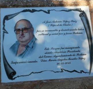 Placa en recuerdo de 'Pepe el de Eladio'