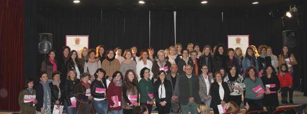 Huércal-Overa presenta un libro con las experiencias de 59 empresarias locales