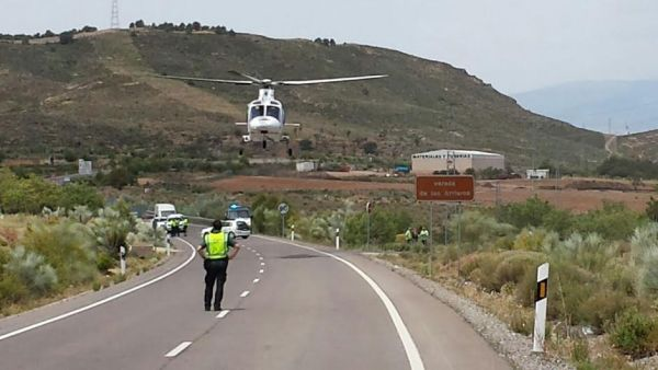 El helicóptero del 061 evacuó al hombre herido