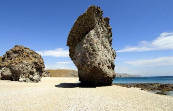 Hallan el cuerpo sin vida de un varón en la playa de Los Muertos