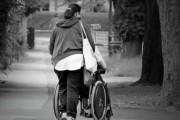 Los cuidadores no profesionales de personas dependientes pueden suscribir un convenio especial con la Seguridad Social sin coste alguno