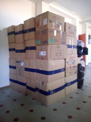 Una tonelada de ropa, calzado y material sanitario viaja ya a un campo de refugiados en el Líbano