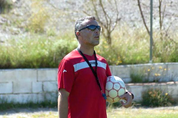 Un entrenador de fútbol clausurará el programa de coaching de la UAL