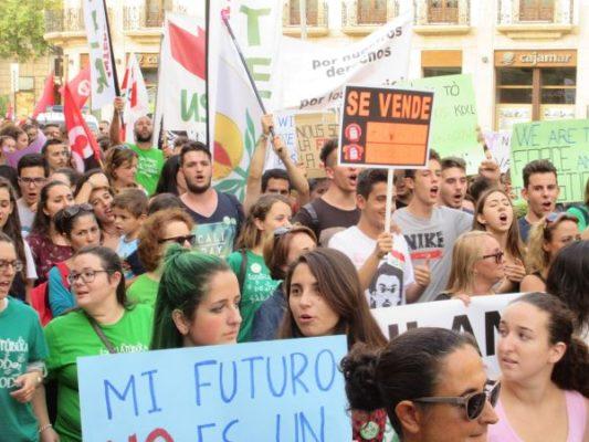 Manifestación contra la LOMCE en Almería