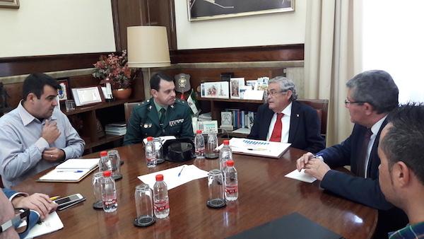 Reunión de COAG, Guardia Civil y subdelegado del Gobierno en Almería