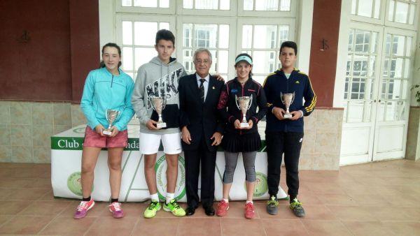 Los cadetes Silvia Vargas y Sergio Capel, campeones provinciales de tenis