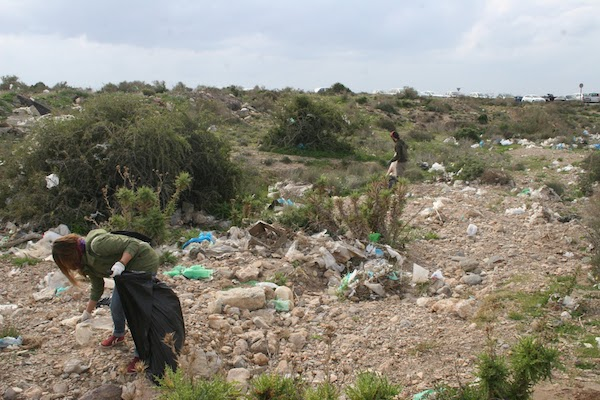 Hasta 80 voluntarios y voluntarias participaron en una batida de limpieza